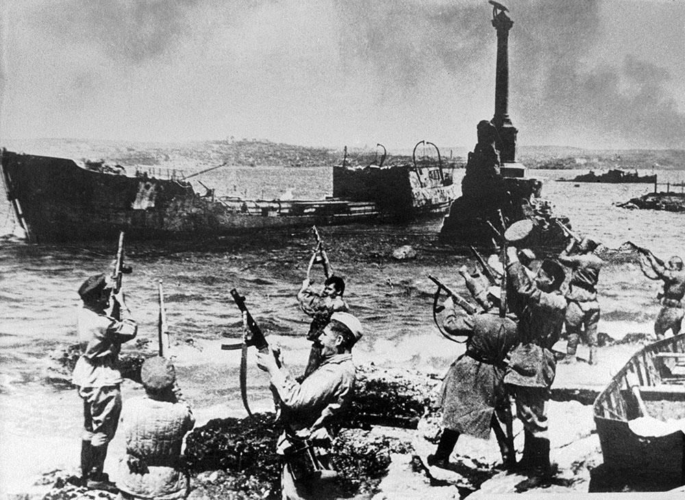 К 75-й годовщине освобождения Крыма от немецко-фашистских захватчиков